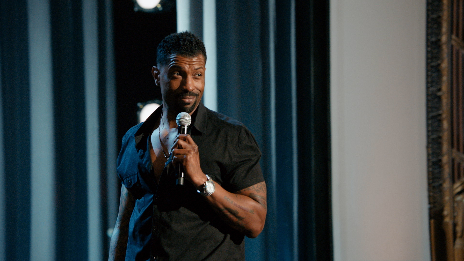 Deon Cole - Managing Your Blackness - Uncensored